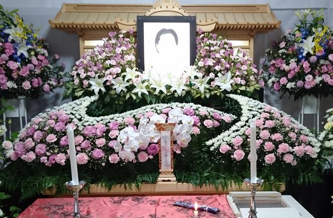 伊東法輪閣花祭壇